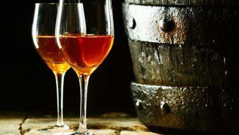 Крепленые вина: разбираемся в хересе и порто