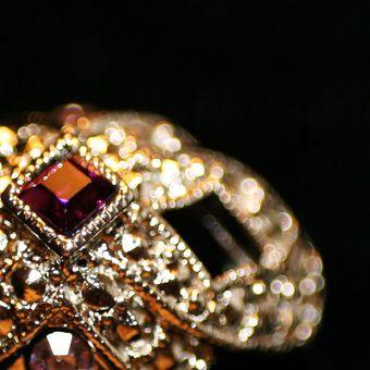 «Пять ювелиров, огранивших XX век: украшение как искусство» в особняке на Волхонке